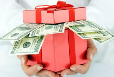 Налогообложение новогодних подарков сотрудникам и